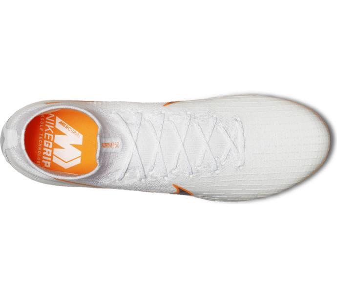 promo code 05958 bde00 Nike SUPERFLY 6 ELITE AGPRO fotbollsskor - WHITE MTLC COOL GREY-TOTAL ORA -  Intersport